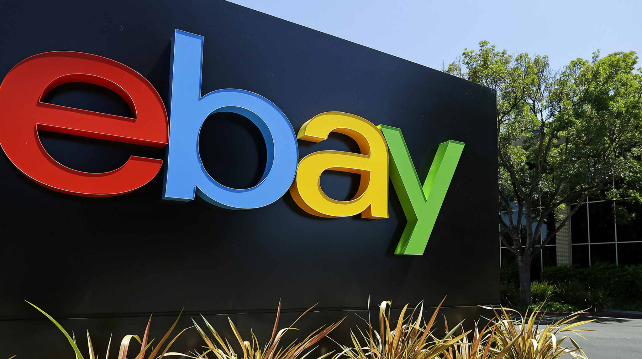 eBay Canada's refurbished store offers massive discounts on 'like-new' products