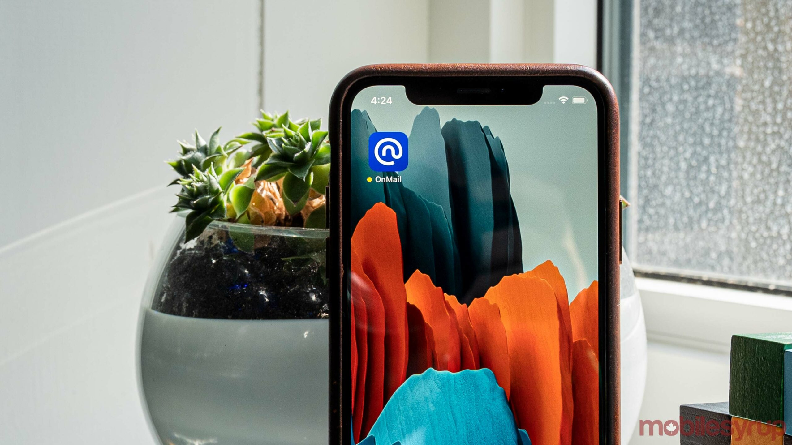 OnMail app on iOS