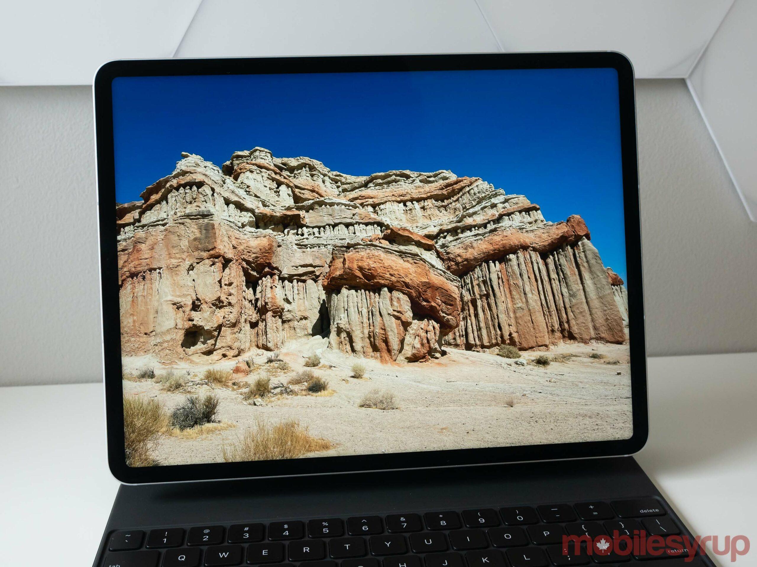 12.9-inch iPad Pro (2021) Pro Display XDR