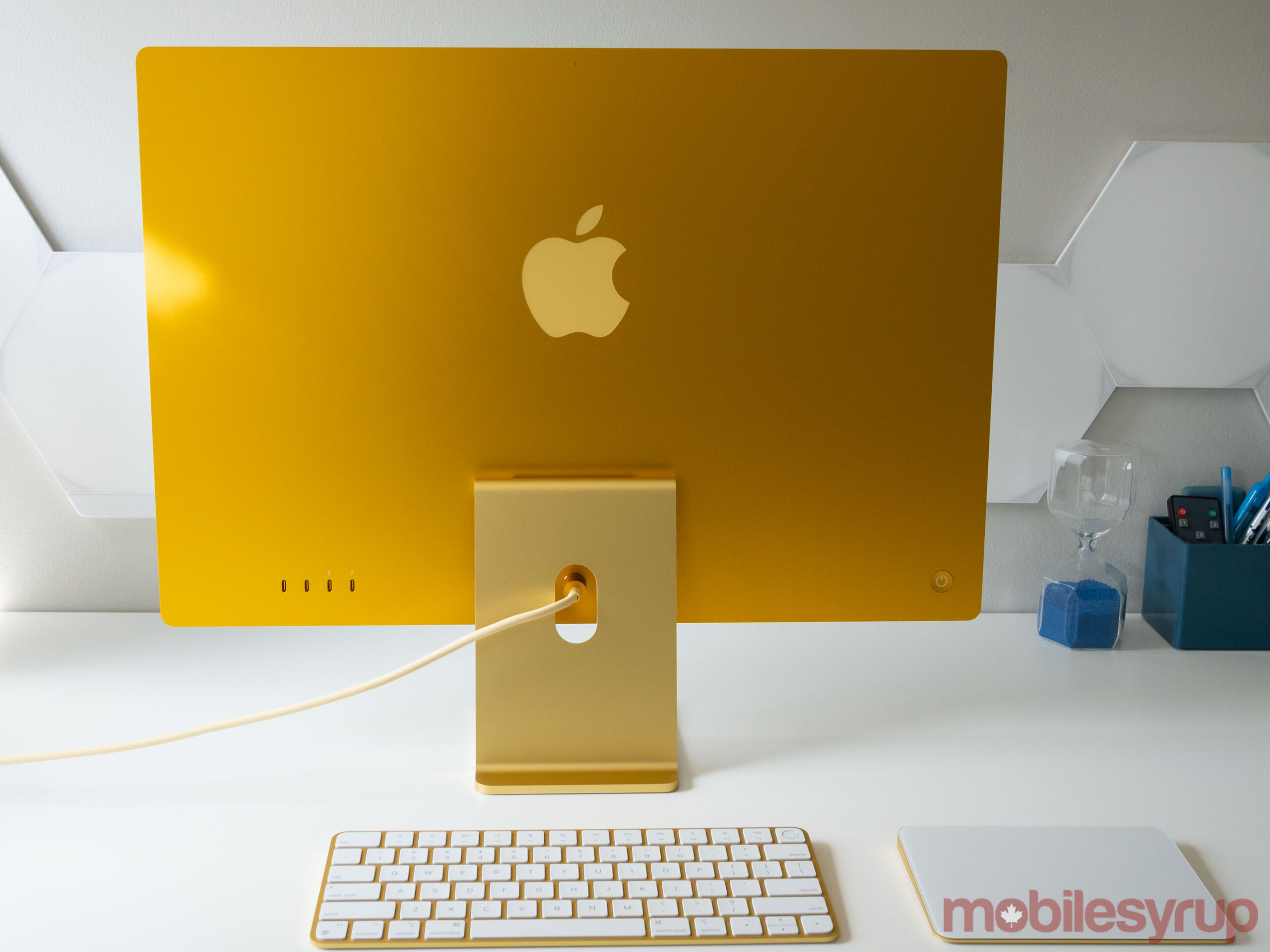 24-inch iMac 2021 back