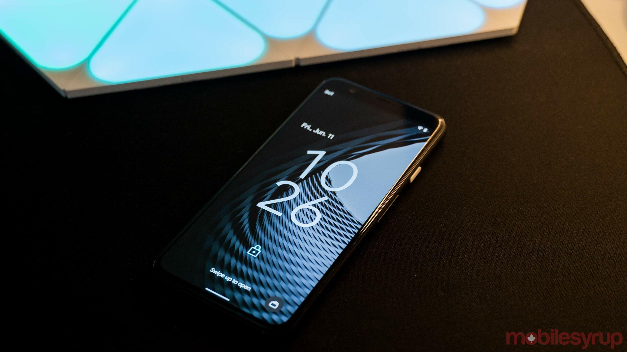 Android 12 lock screen clock