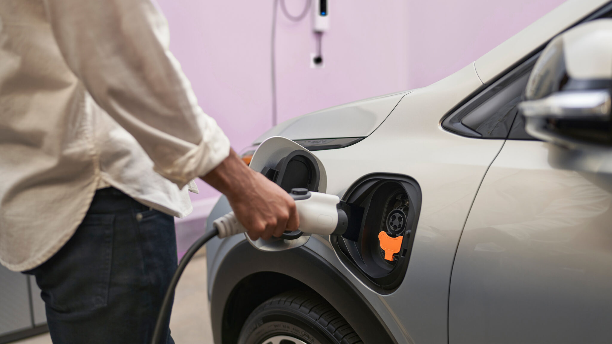 Chevrolet Canada to install 240-volt chargers with new Bolt purchases for free