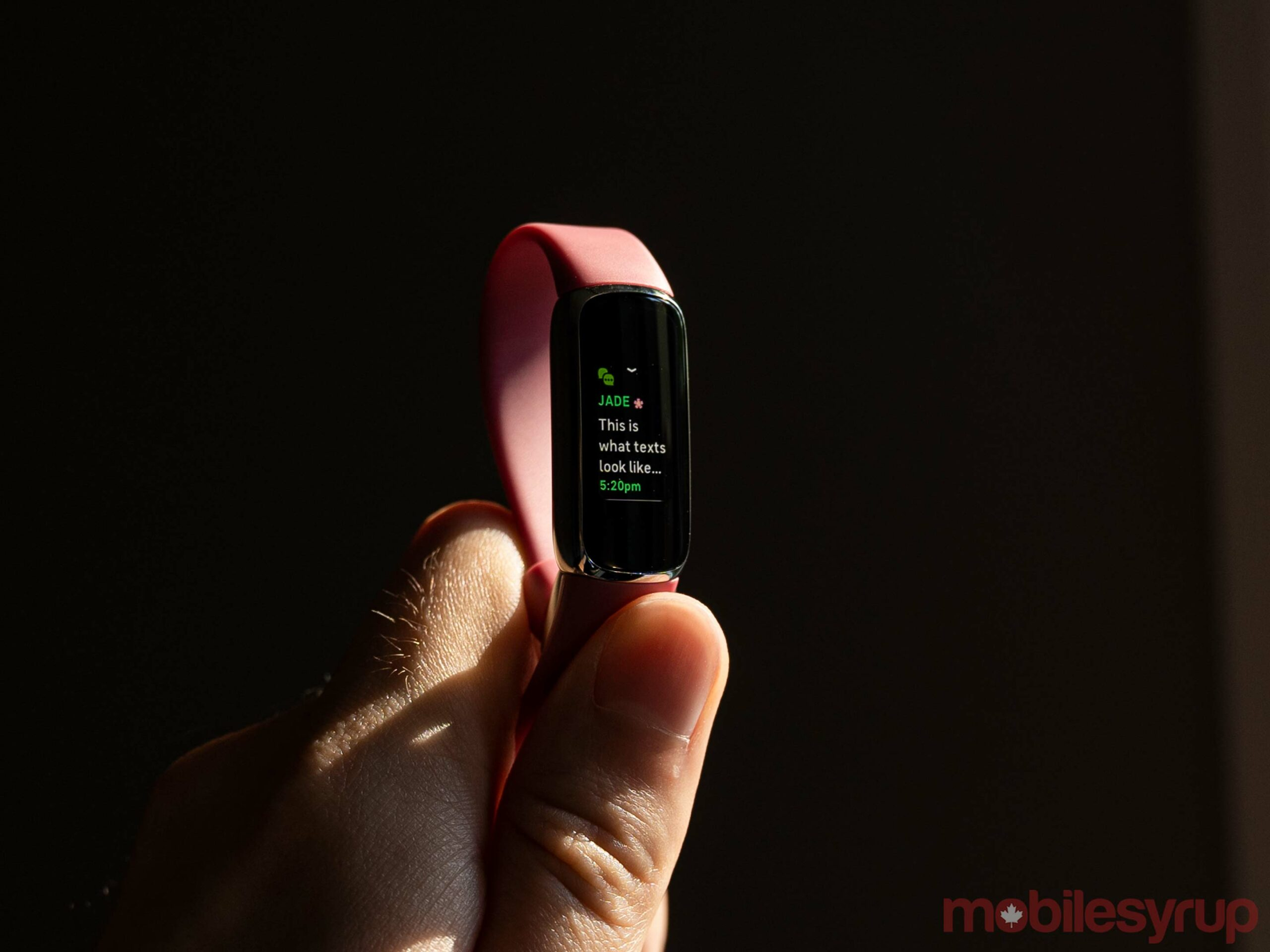 Texts on the Fitbit Luxe