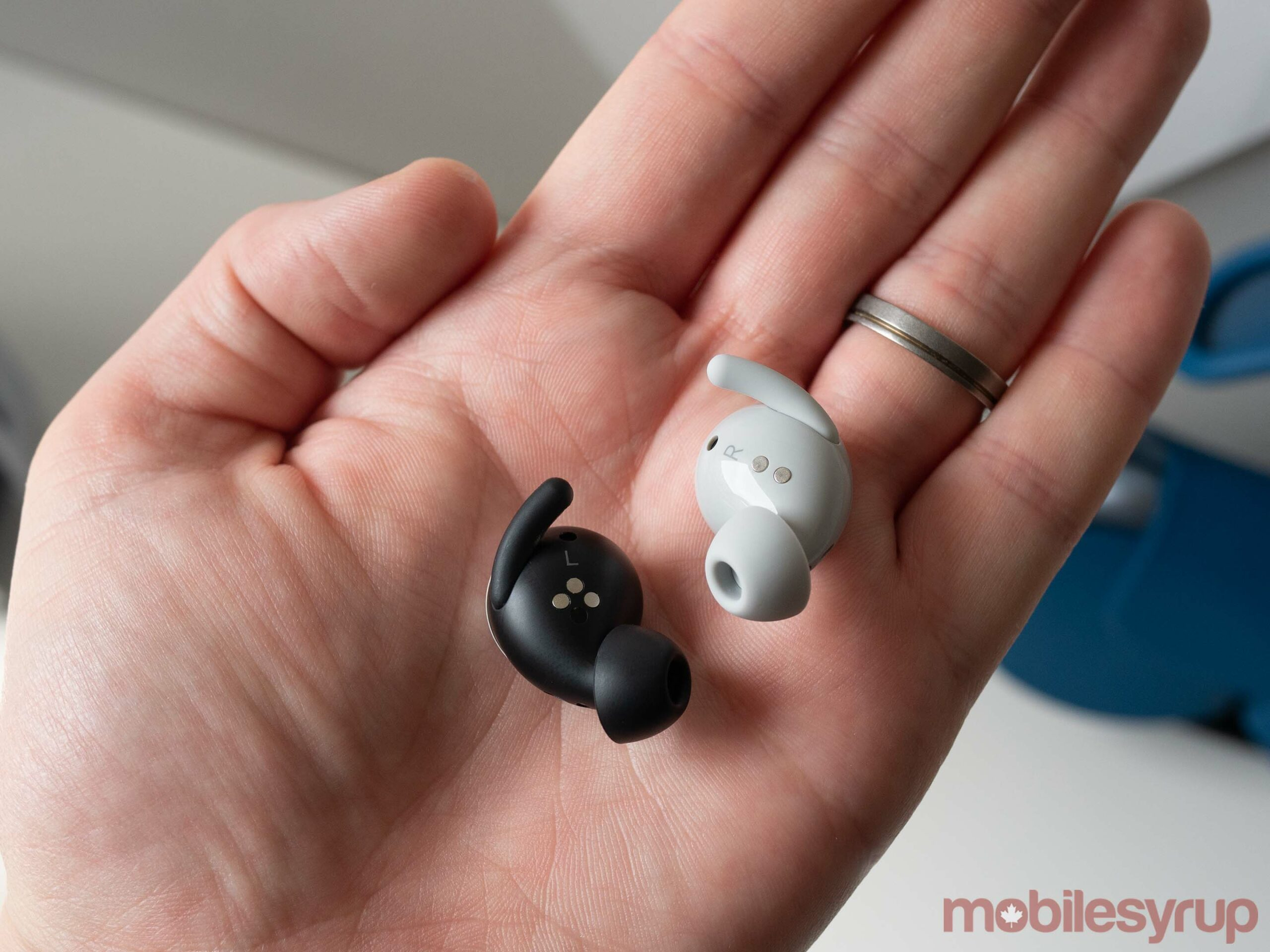 Pixel Buds Series-A beside the Pixel Buds (2020)