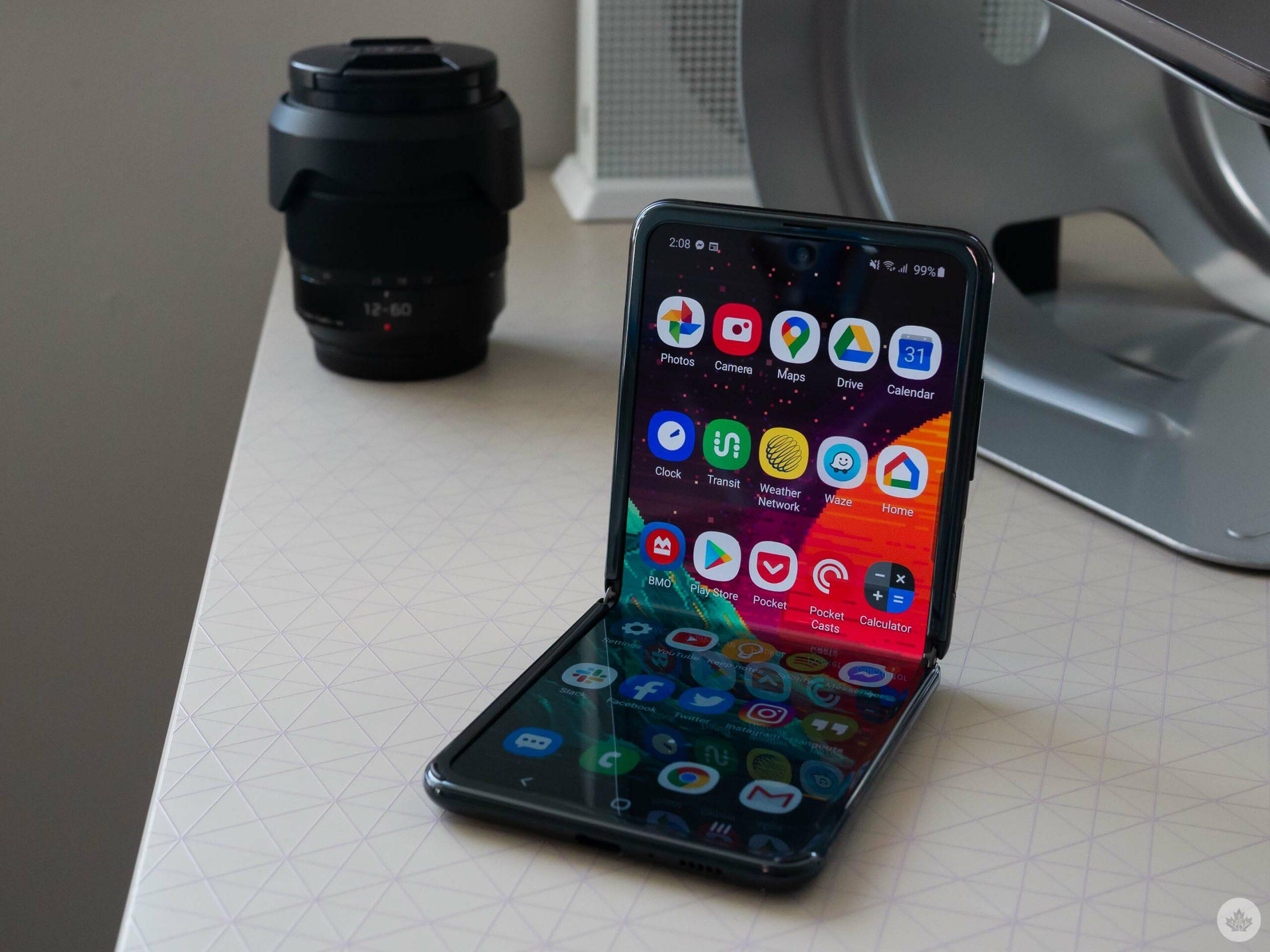 Galaxy Flip 5G folded out
