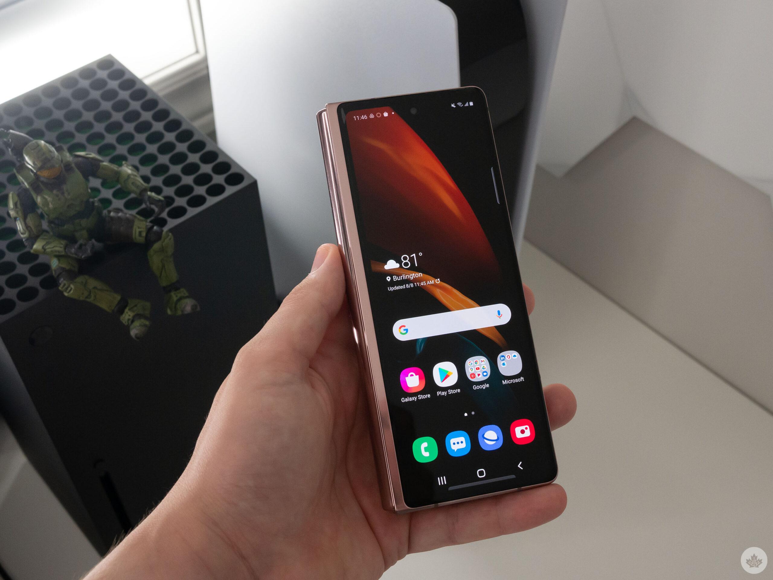 Galaxy Fold 2 front display