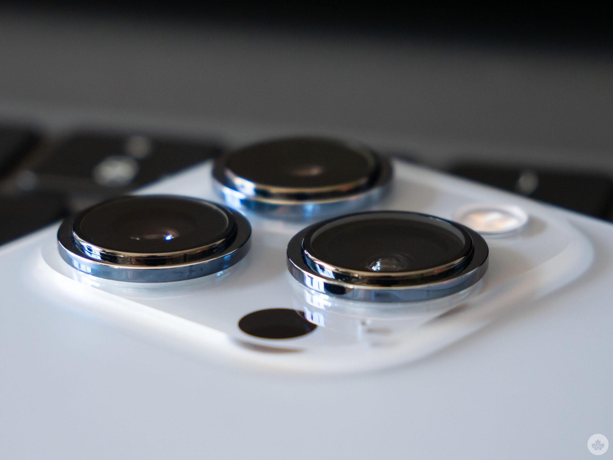 iPhone 13 Pro Max lens
